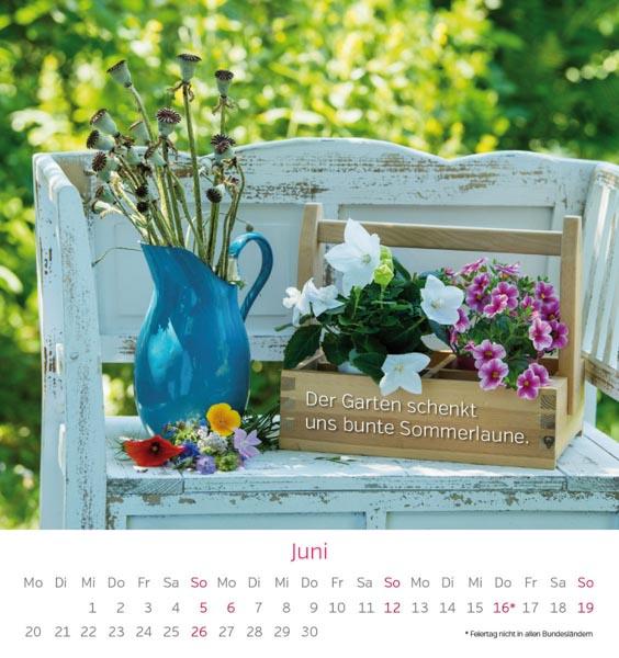 Postkarte Gartenbank Blumen April